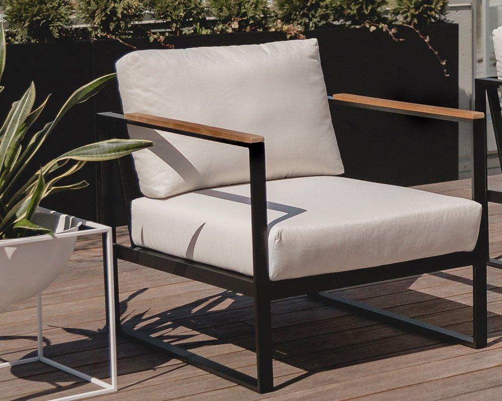 Louis Outdoor Armchair